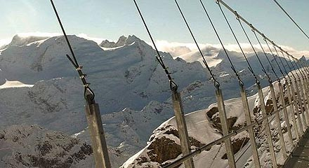 titlis-cliff-walk-3[2]