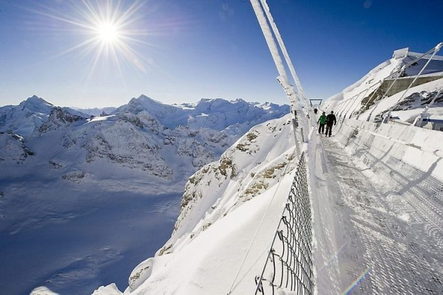 titlis-cliff-walk-7[2]