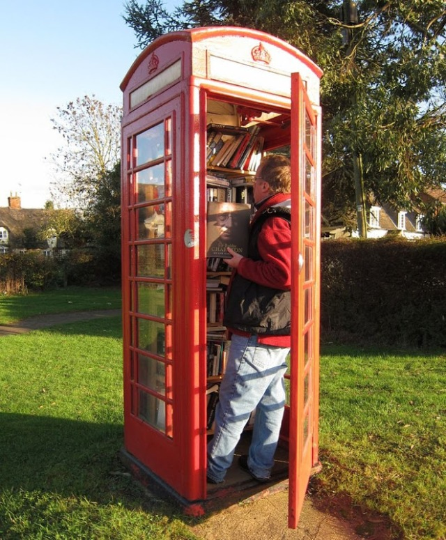 telephone-box-library-7[7]