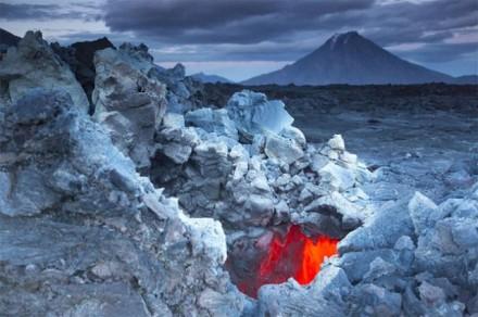 Edge-of-a-Volcano-11-640x426