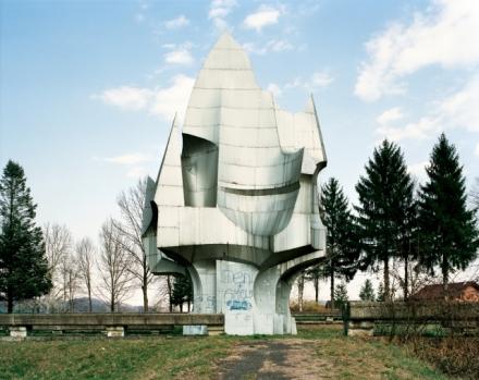 Spomenik 10